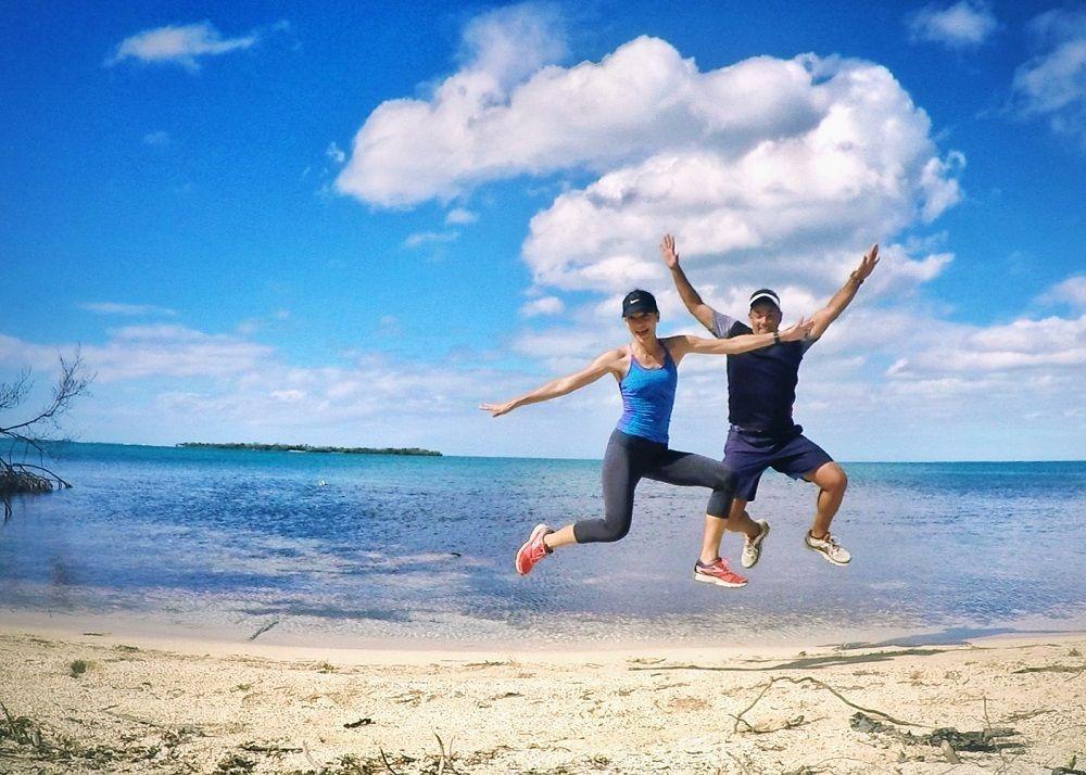 Disfruta de correr mientras exploras. (Foto en Salinas, Puerto Rico)